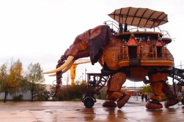 Wooden elephant in Nantes